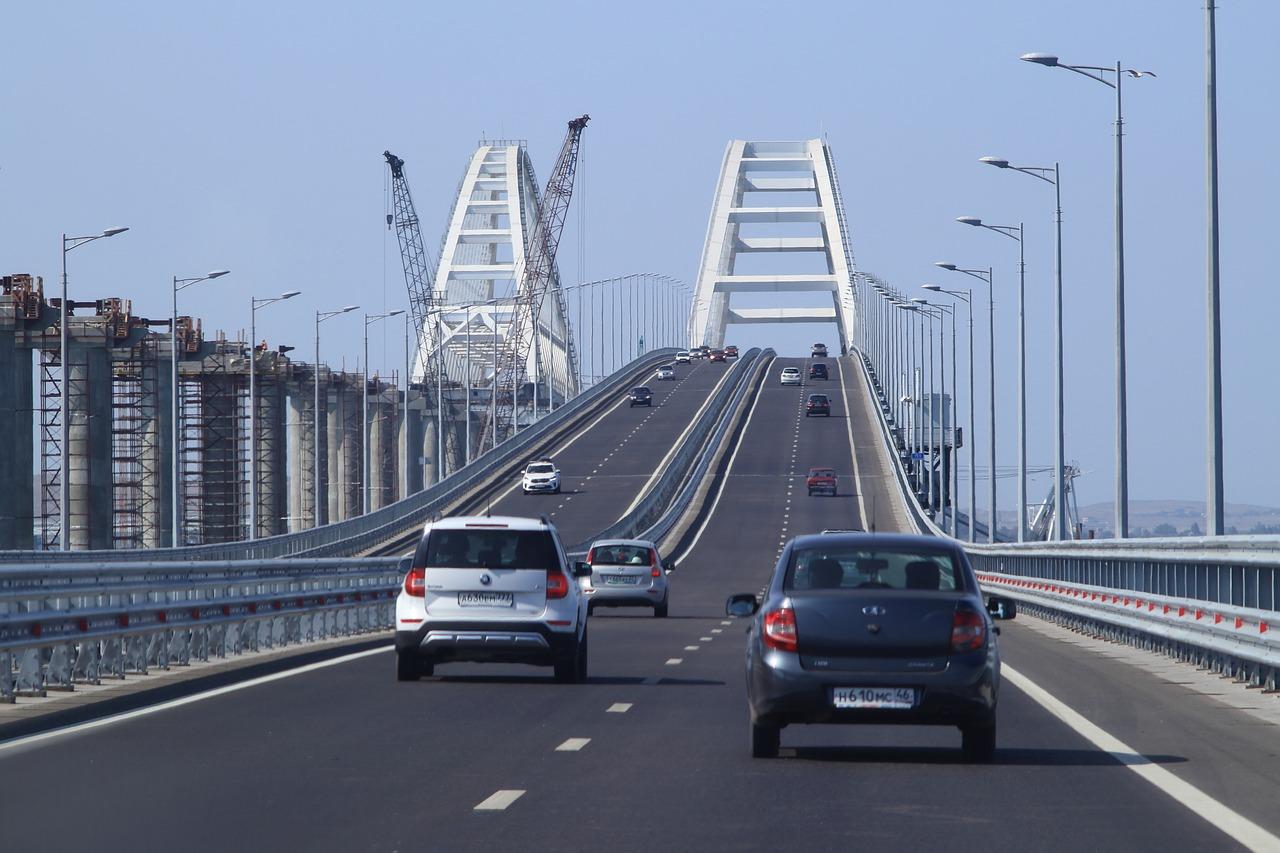 «Удлиненная» железная дорога к Крымскому мосту