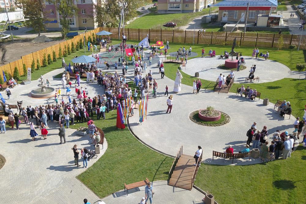 Новый сквер открыт после благоустройства в Богородске Нижегородской области