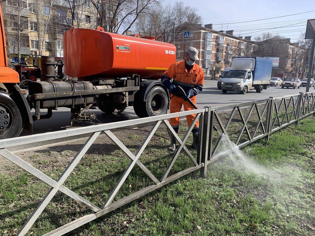 На самарские дороги в апреле 2021 года  вышли пылесосы и поливочно-моечная техника